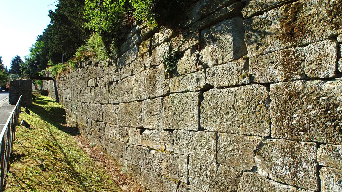 Fiesole: le mura etrusche