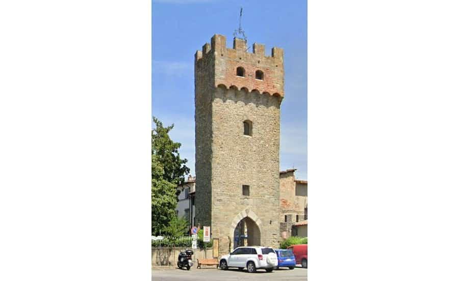 Castelfranco, la torre con la porta delle antiche mura