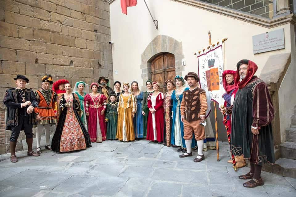 Figuranti del Bacco Artigiano al palagio di Parte Guelfa a Firenze