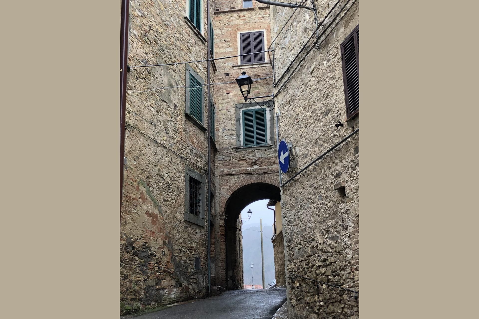 Santa Luce: vie del borgo