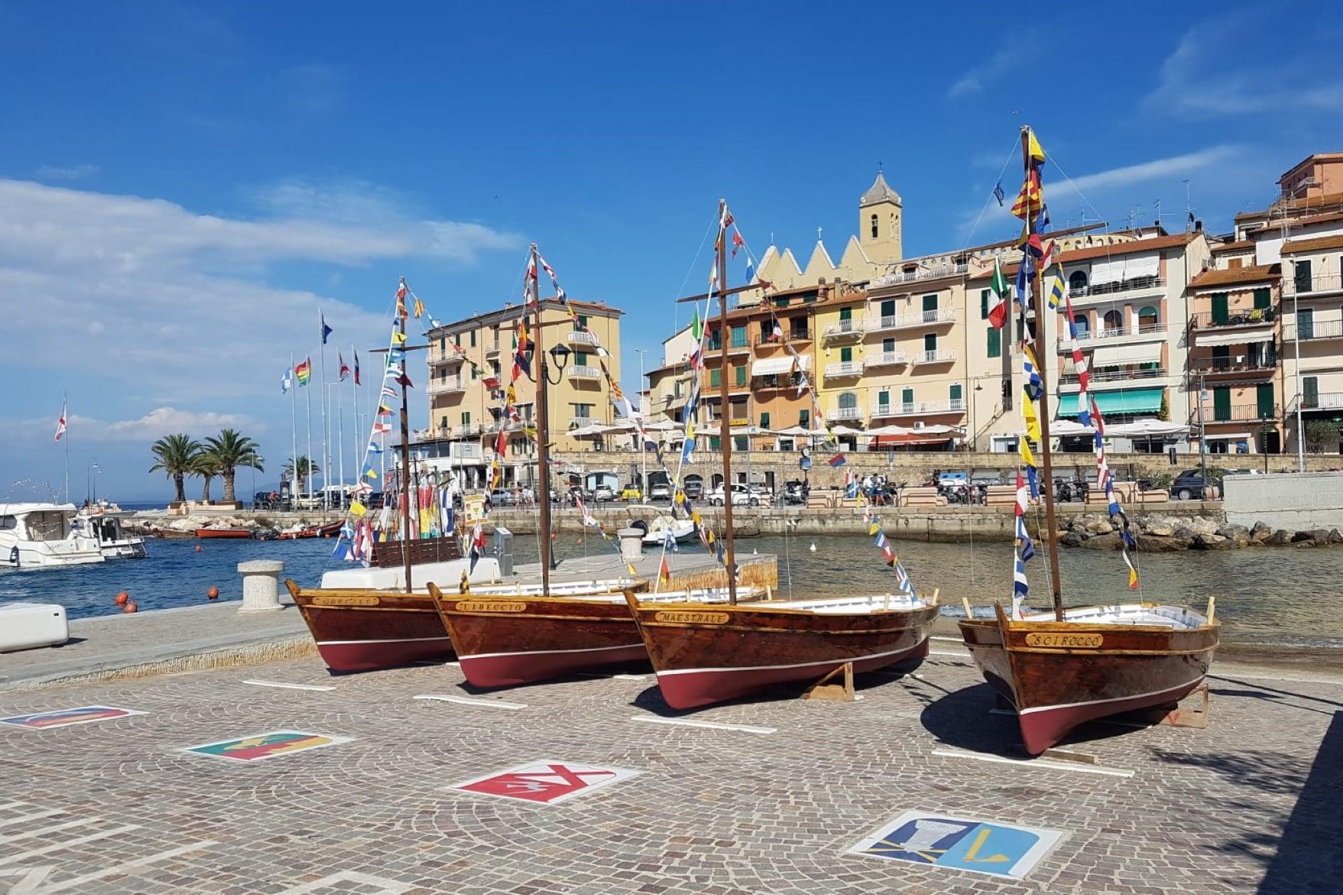 Le imbarcazioni dei rioni